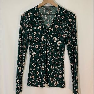 Express size medium floral top